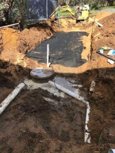 Falt bed leach drain
